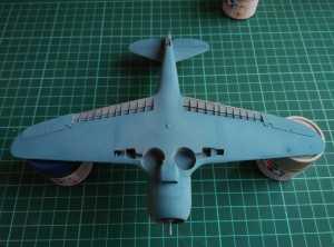 XF-23 Light Blue + XF-2 Flat White + XF-4 Blue в пропорции примерно 4:1:1. Вид нижней плоскости со стороны капота